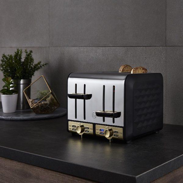 RP ST14084BLKN Swan Gatsby Black Toaster LS01