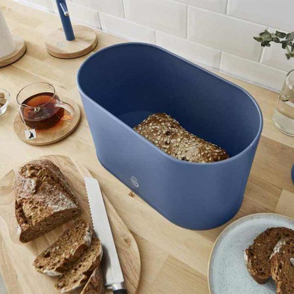 intellizen_swan_Nordic-Bread-Bin-with-Wooden-Lid-blue